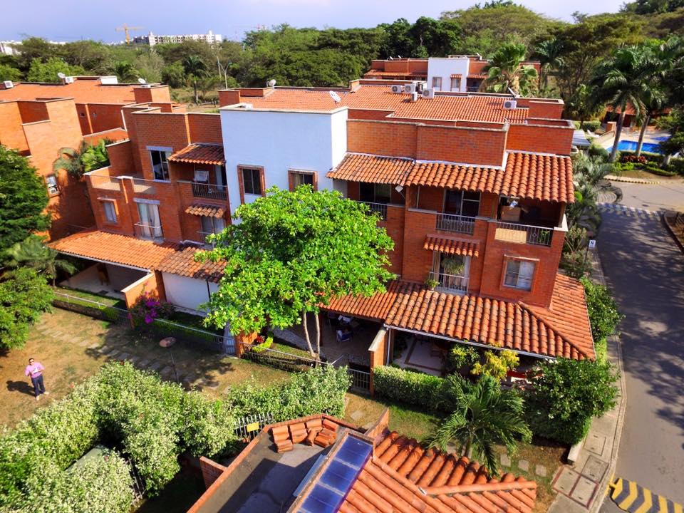Casas en venta y en arriendo colombia for Casas para la venta en ciudad jardin cali colombia