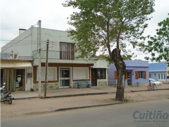 Local Comercial y Casa 2do. piso en Fray Marcos