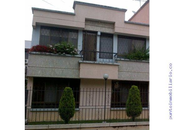 Casa en venta en pance cali goplaceit for Casas en ciudad jardin cali para la venta