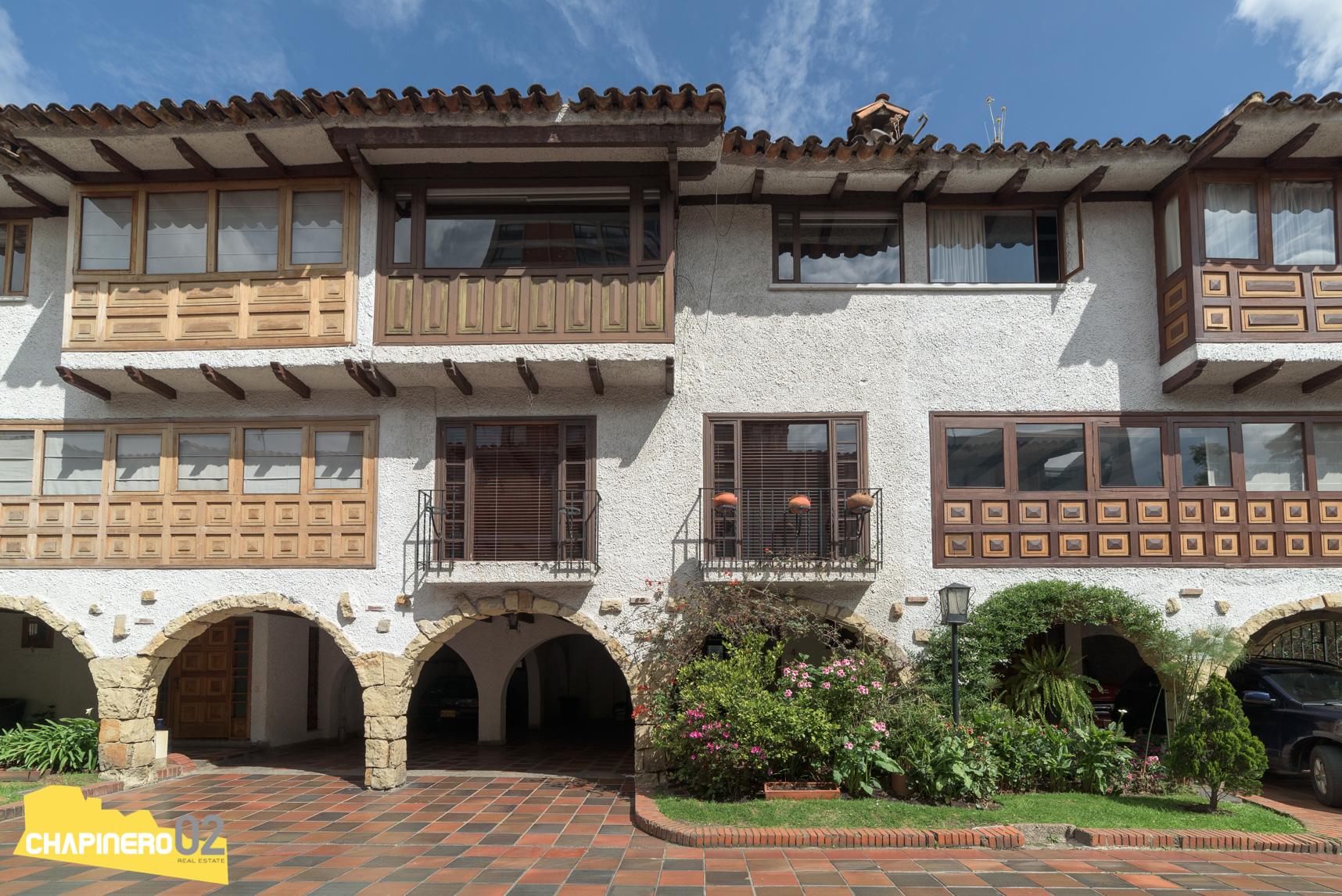 Casa Amoblada :: 270 m2 :: Nogal :: $8,1M