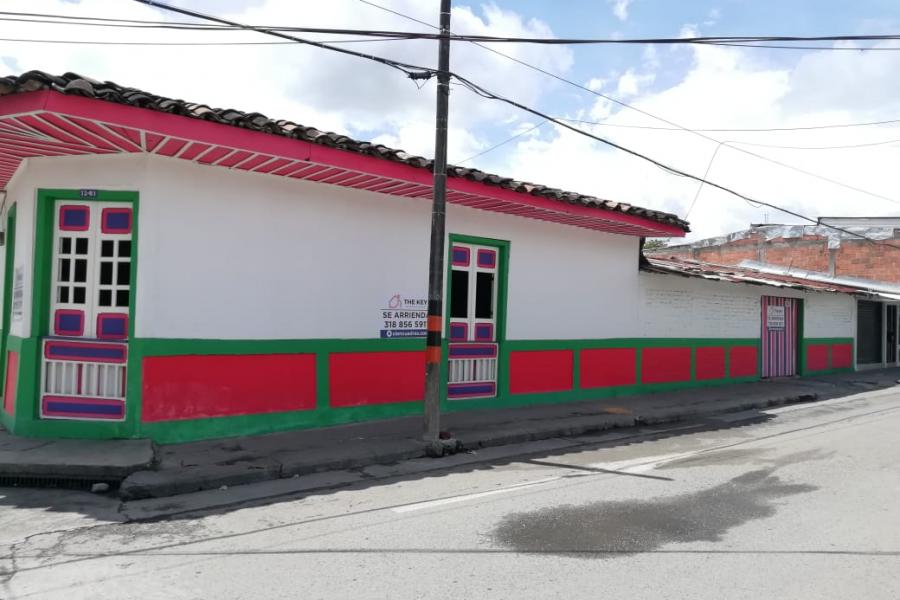 CASA EN ARRIENDO PARA USO COMERCIAL EN LA TEBAIDA – Código 581663