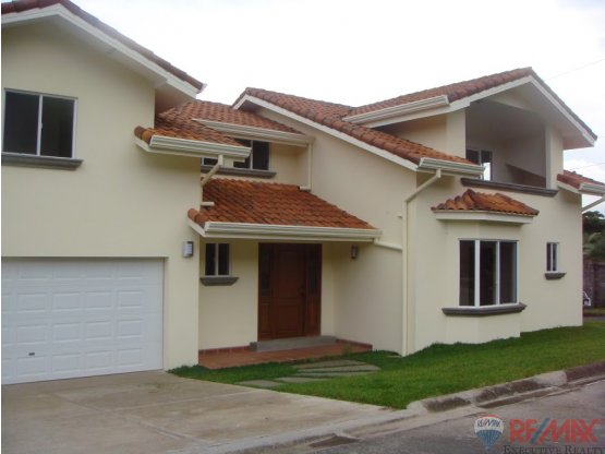 Reduced for QUICK SALE single family home