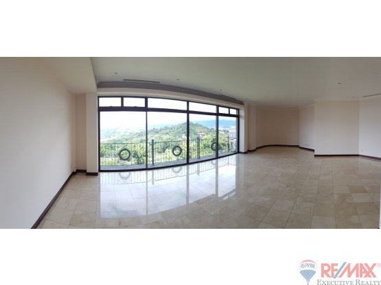 Exclusive Apartment for rent. Stunning view!!