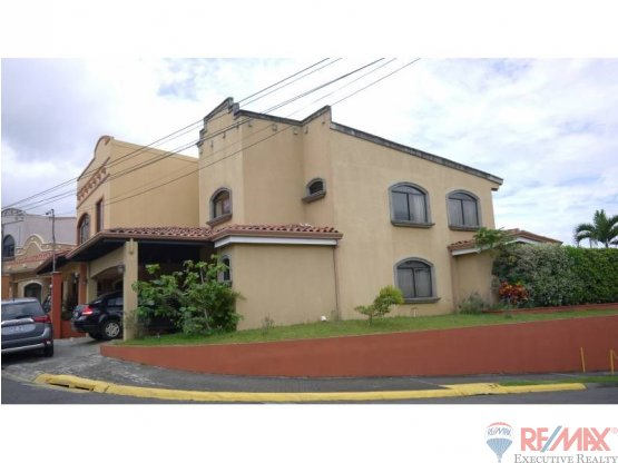 Beautiful property for sale in HEREDIA
