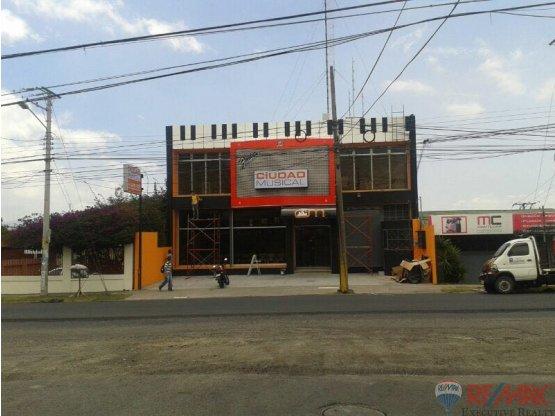 COMERCIAL BUILDING -LOCAL MORAVIA