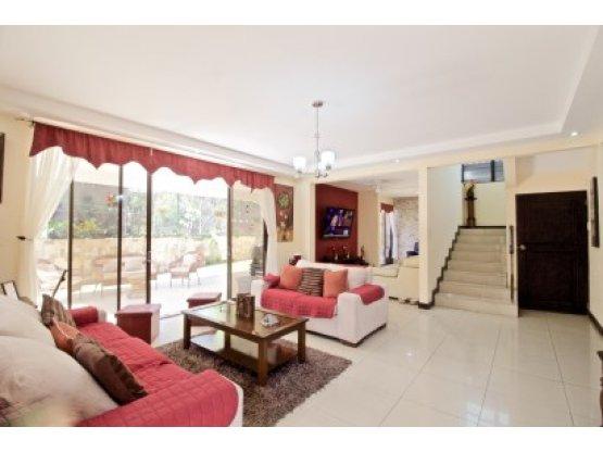 Three bedroom home for sale in Pozos, Santa Ana,