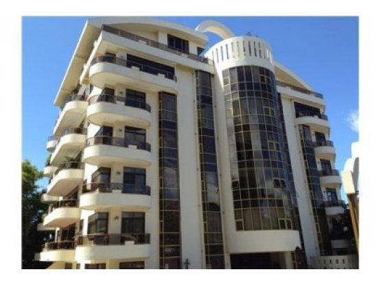 COMPLETAMENTE AMUEBLADO, Condominio, Riverside