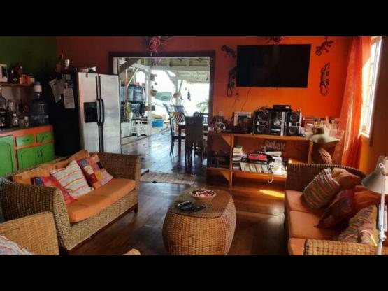 Casa sobre el Mar / Bocas