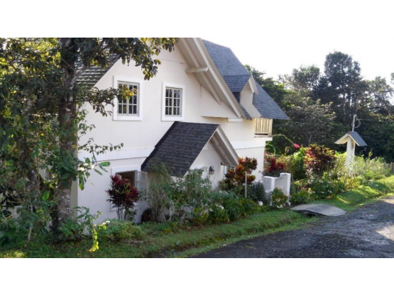 Casa en Altos de Cerro Azul