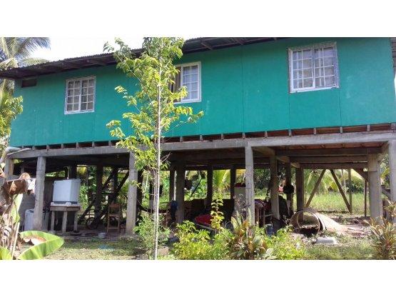 Terreno con Casa En bocas del Toro, Panama