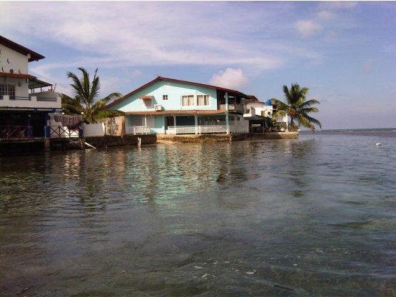 Casa De Playa,  en Isla Grande