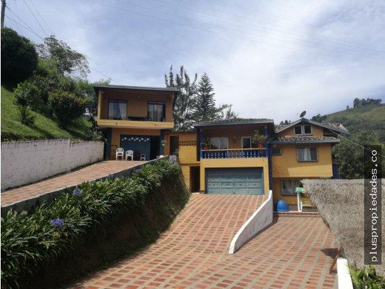 Venta de finca en Medellín, Belén jardín