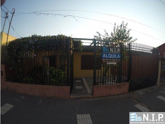 ALQUILO COQUETA CASA ZONA S6 DE CACIQUE LAMBARE