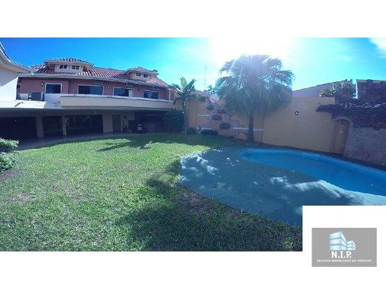 Alquilo Residencia en Barrio Mcal. Estigarribia