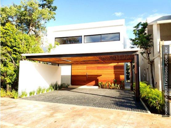 Casa en venta 4 Recamaras, alberca Lagos Del Sol