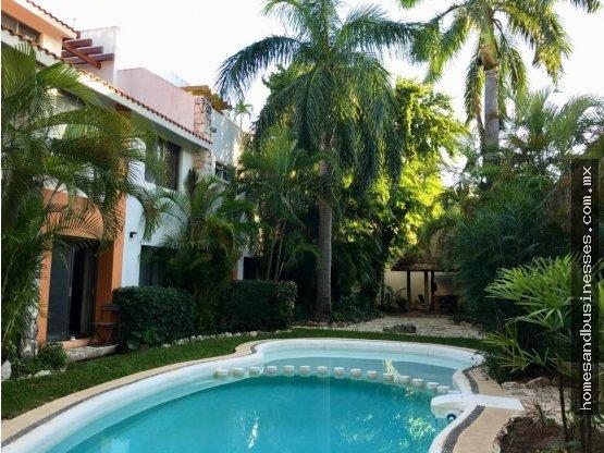 Casa Amueblada, 4 recamaras, Seguridad y Alberca
