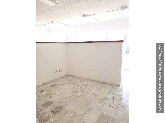 Oficinas en renta, centricas, por Av. Nader Cancun