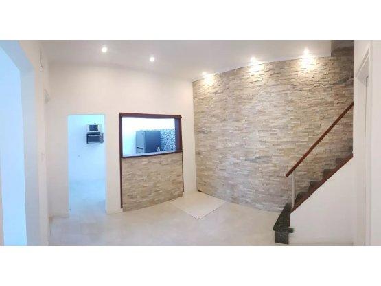 Casa 2/3 dormitorios, 2 baños a nuevo U$S 149.000