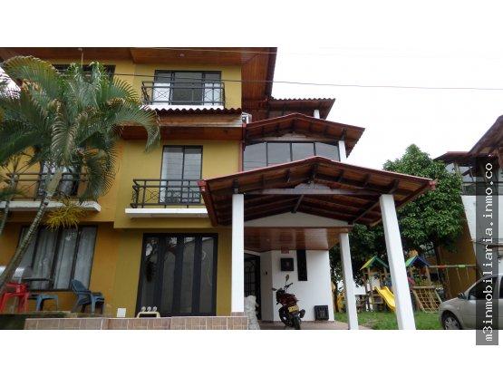 Casa para la venta via puerto lopez