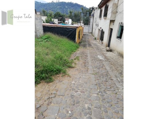 TERRENO EN ANTIGUA GUATEMALA COL. EL NARANJO