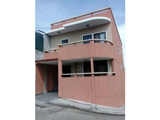 Casa en Venta Residenciales Las Colinas zona 18