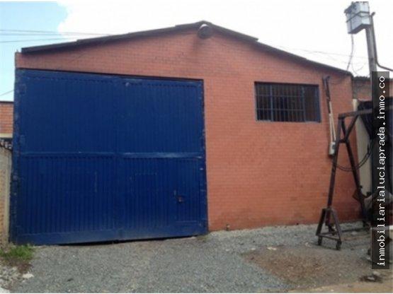 Venta Bodega en Zona Industrial Juanchito