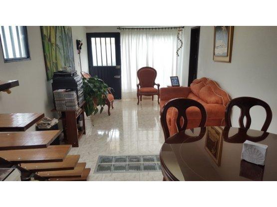 Casa con renta La Cumbre, Manizales
