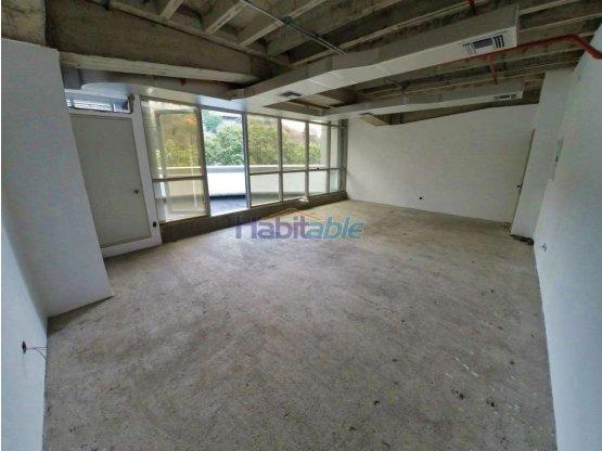 Se alquila oficina 48m2+30terraza Santa Paula