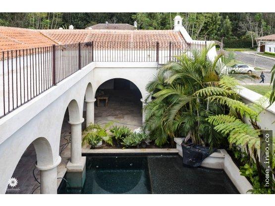 Exclusiva casa con piscina Antigua Guatemala Jacarandas