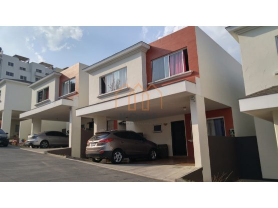 Casa en Venta Condominio Las Luces del Encinal Mixco