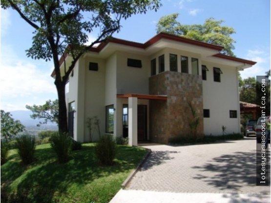 Casa moderna en Ciudad Colon condominio