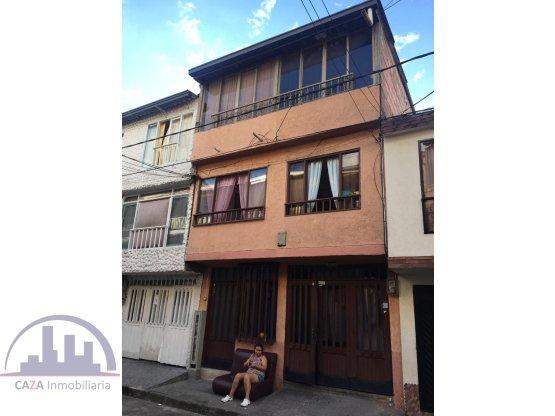 Se vende casa con 3 rentas en Atenas-Cuba, Pereira