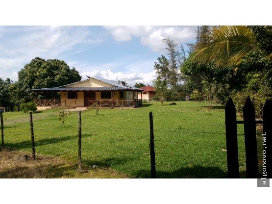 Casa amueblada en Jarabacoa con terreno
