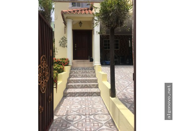 Casa en venta / Altos de Arroyo Hondo