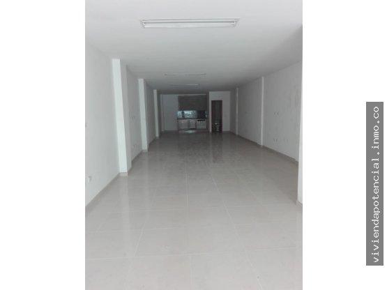 LOCAL EN VENTA SIMÓN BOLÍVAR 1er piso 93m²