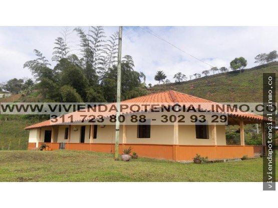 VENTA DE DIVINA FINCA SAN VICENTE, ANTIOQUIA