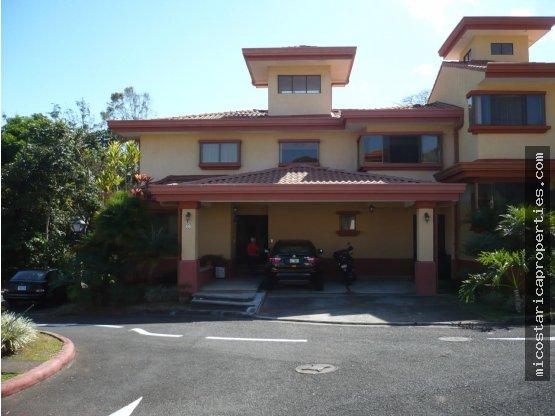 Casa en Condominio San Miguel, Escazú