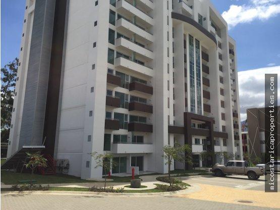 Apartamento en Torres de Heredia