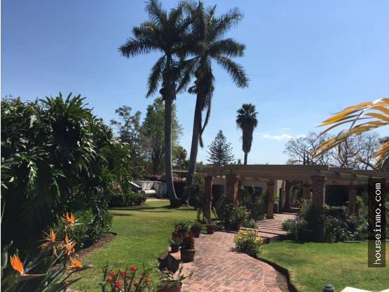 Casa en La Floresta con Alberca y Casita