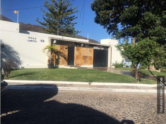 Casa en La Floresta, Alberca y Jardin