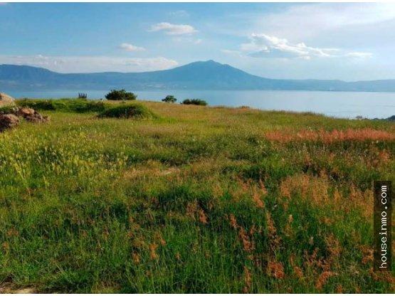 Terreno para hacienda con vista al lago