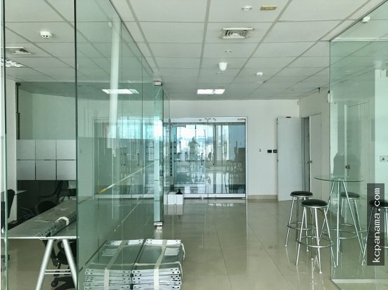 MODERNA OFICINA EN TORRE BANESCO - OBP