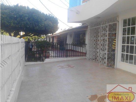 casa comercial Santa Lucia