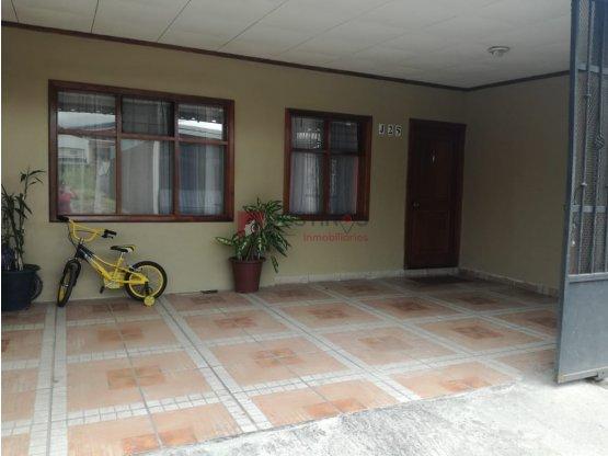 Casa en Alajuelita - Oportunidad !