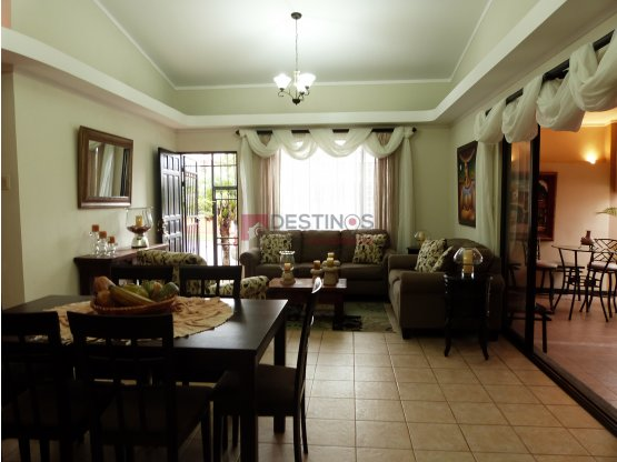 Se vende amplia casa en Moravia