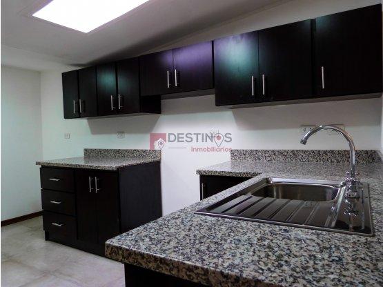 Casa en Pozos de Santa Ana-Remodelada !!