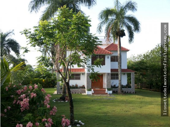Villa espectacular en Aut. Duarte