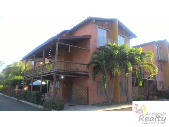 Casa en Santa fe de Antioquia Esquinera