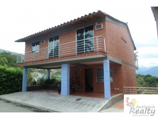 Casa Campestre en Venta. Llano de Bolivar