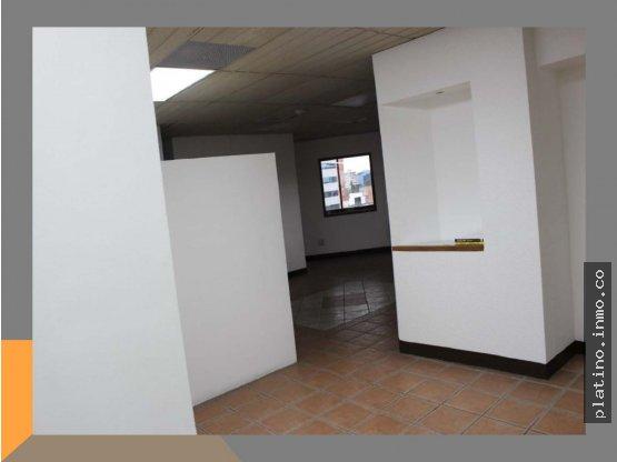 Oficina en renta Murano Center